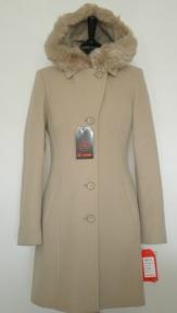 Kabát Sára